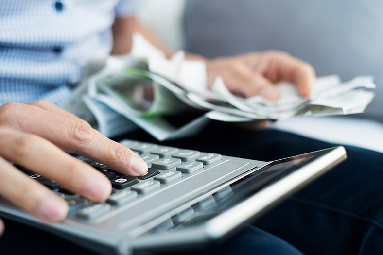 Bespaar belasting door aftrekposten te verdelen